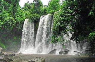 phnom_kulen_waterfall1.jpg